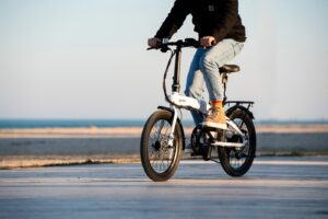 riding a folding ebike good for traveling